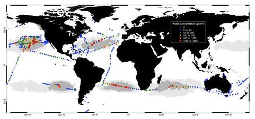 圖1.全球海洋表水塑膠廢棄物的濃度(圖片來源: Cózar et. al, 2014. Plastic debris in the open ocean)