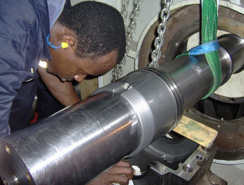 Propulsion Shaft to Main Engine - Bearing Pedastal Replacement