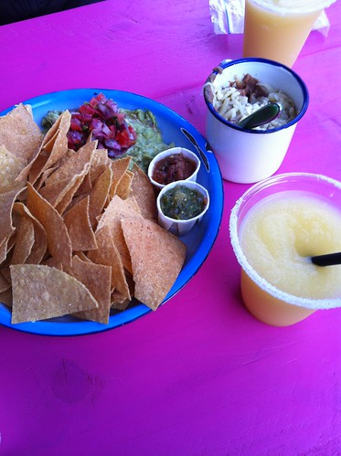 Best Mexican Food in Berlin_Maria Bonita_chips beans guacamole margaritas