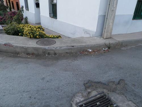 Suciedad y asfaltado estropeado