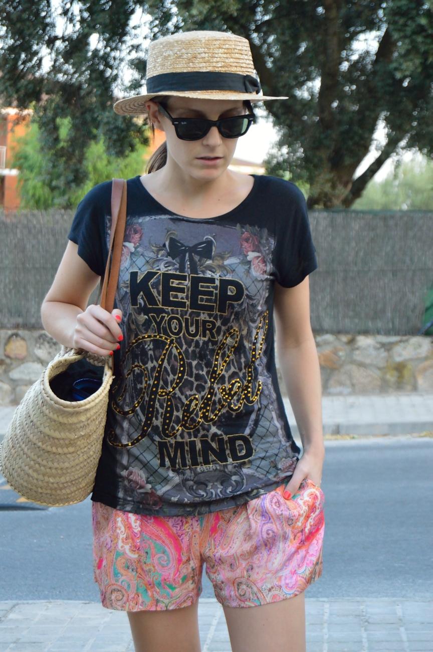 lara-vazquez-mad-lula-fashion-black-look-pink-shorts