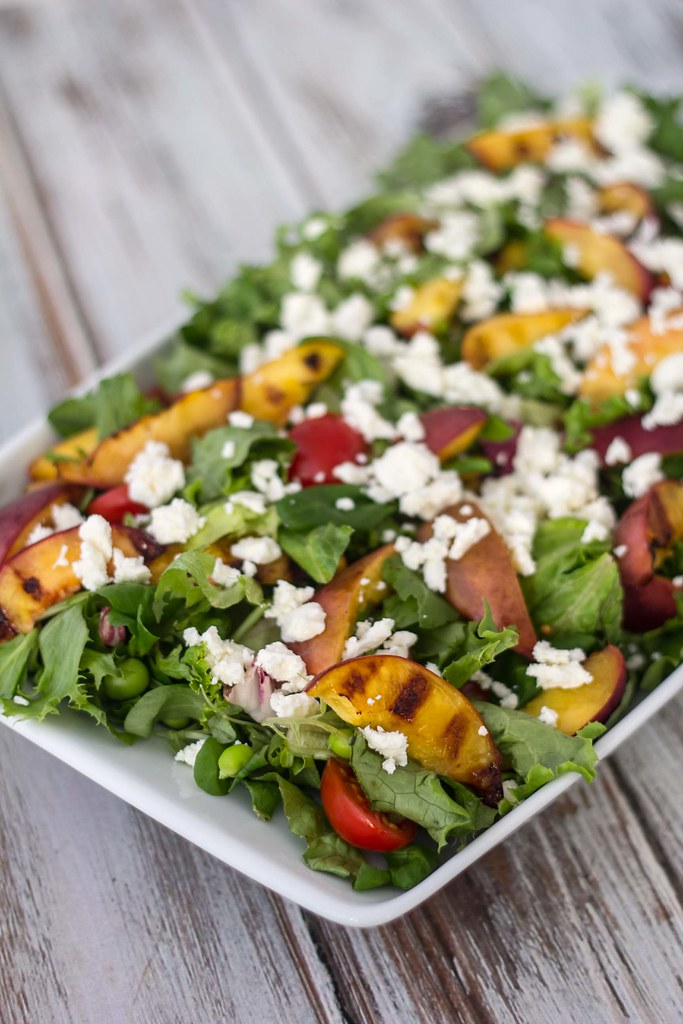 Recipe for Homemade and Delicious Salad with Grilled Nectarines