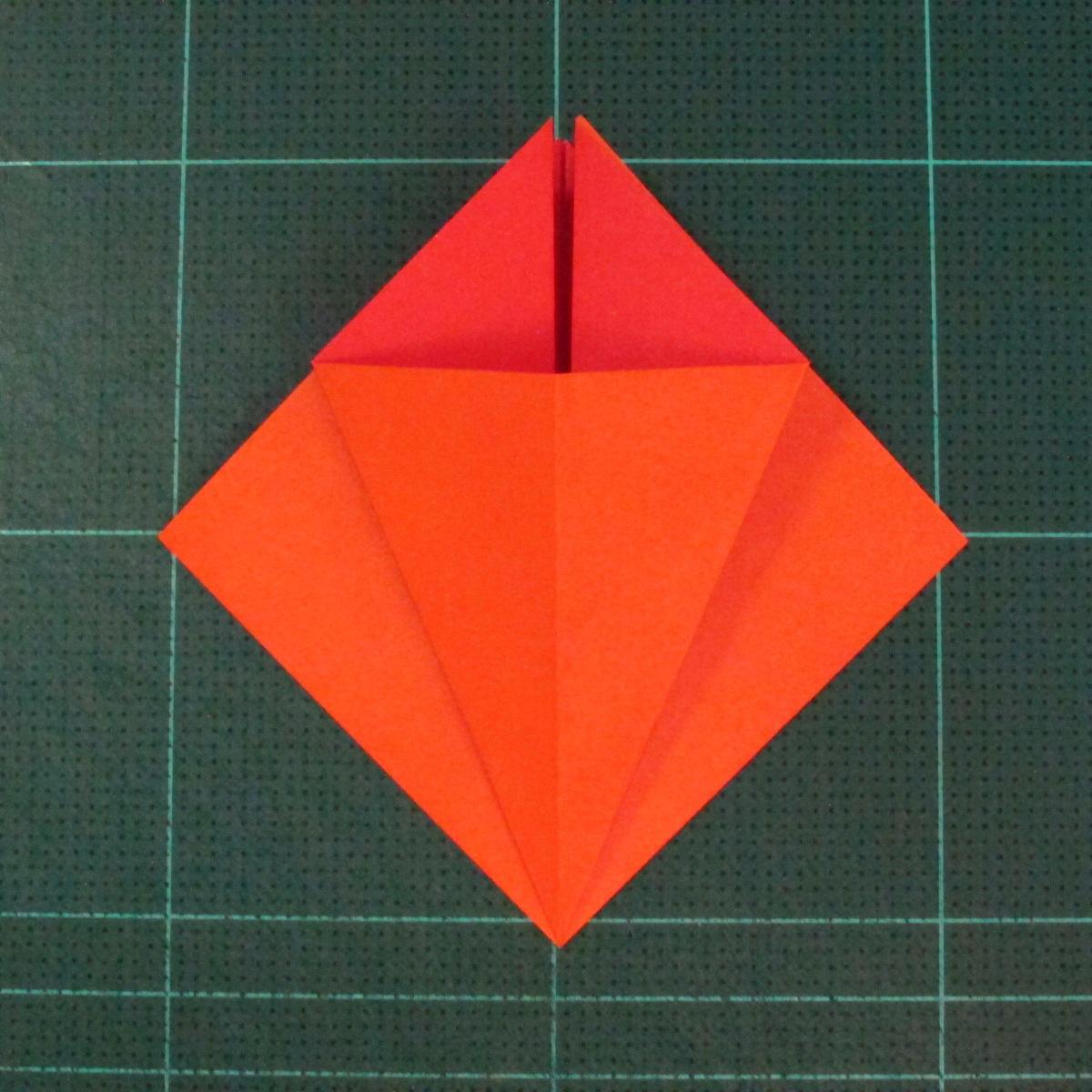 วิธีพับกระดาษเป็นช่อดอกไม้ติดอกเสื้อ (Origami Wedding Chest Flower) 009