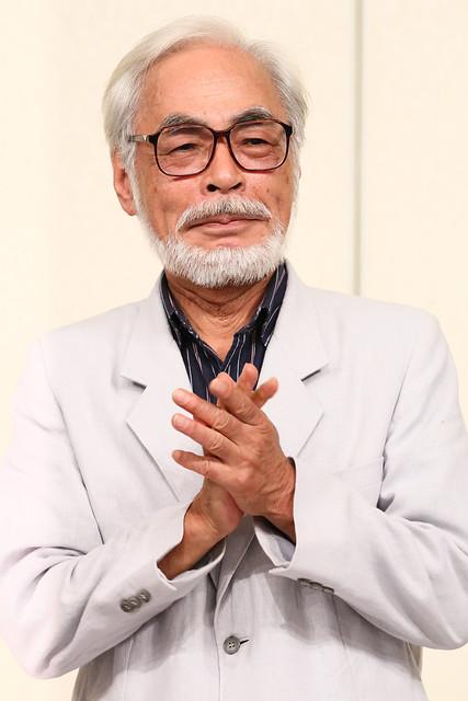 140829(1) - 73歲日本動畫大師「宮崎駿」獲頒『2014 奧斯卡終生成就奬』、全球動畫史上第4人!