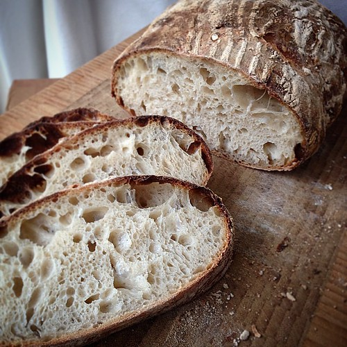 Been using #JuiceFeast as an opportunity to practise my #sourdough. Really happy with how it's coming along (thank you @ed_fryer).
