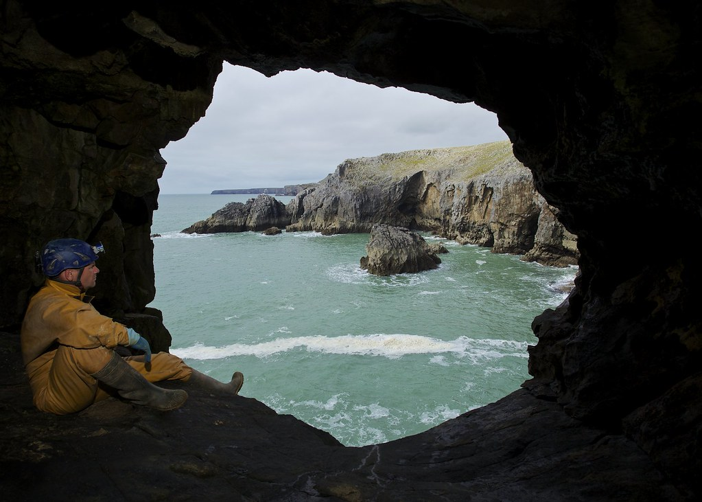 Ogof Gofan - Window with a view [Explored 02-09-14]