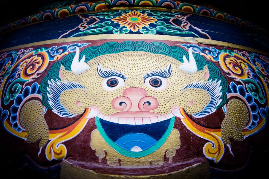 Мистические существа, обитающие на стенах Хемиса, Ладакх. Монастыри Ладакха (Монастыри малого Тибета) © Kartzon Dream - авторские путешествия, авторские туры в Ладакх, тревел фото, тревел видео, фототуры