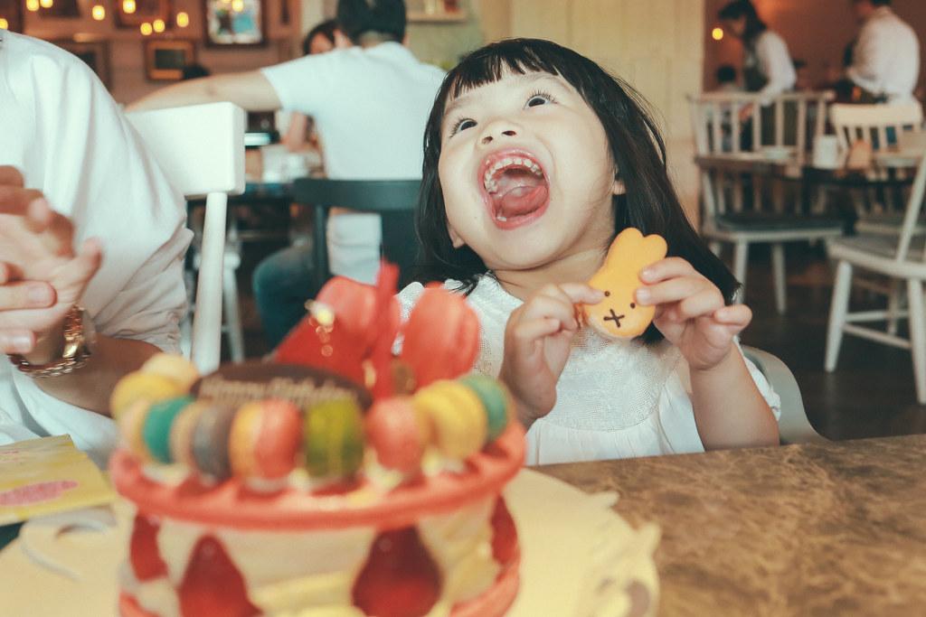 送這個蛋糕給媽嘛其實是我的陰謀啦!