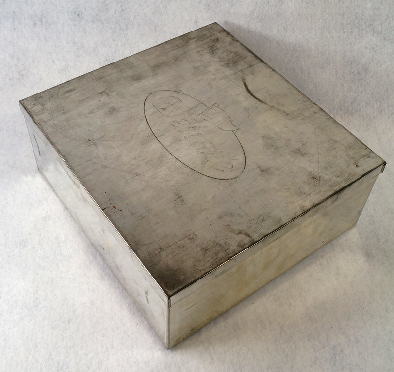RD15330 Delacre Tin Box Square Vintage Collectible Metal Large Square Advertising DSC09192