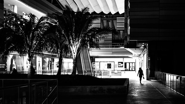 Shopping - Miami, Florida - Black and white street photography
