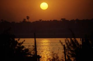 Ägypten 1999 (768) Luxor: Sonnenuntergang am Nil