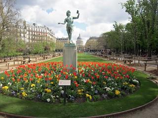 Jardin du Luxembourg の画像. frankreich france îledefrance 75 paris 6emearrondissement capitale statue jardinduluxembourg tulipe fleur