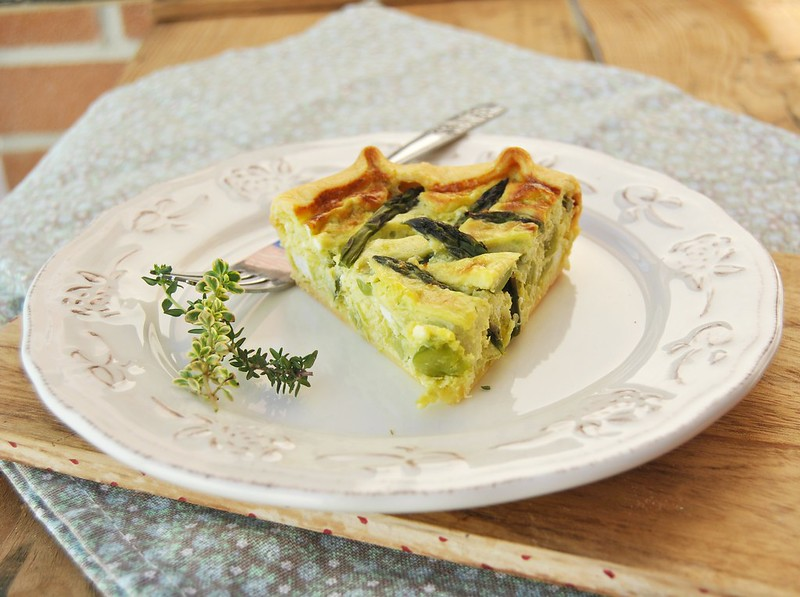 Leek, fava beans and asparagus quiche