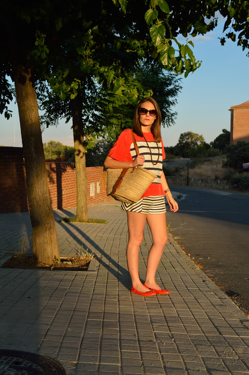 lara-vazquez-madlula-blog-style-fashion-fresh-sunset-light-stripes-outfit