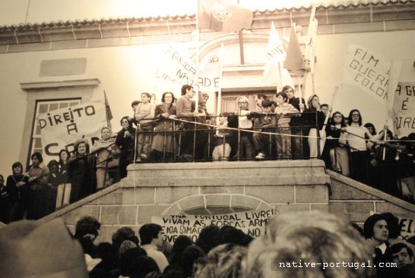 22 - 25 апреля 1974 года - революция гвоздик в Португалии - Каштелу Бранку