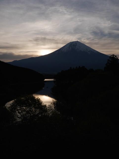 日, 2014-05-11 16:16 - 休暇村富士から