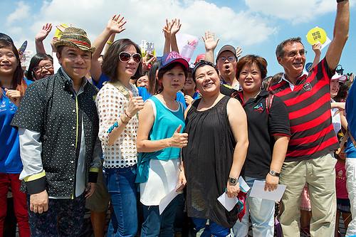 受到陳藹玲的感動,〈孩子的天空〉全民大合唱拍攝MV,,許多藝人包括蔡康永,都來站台!圖:媽媽監督核電廠聯盟