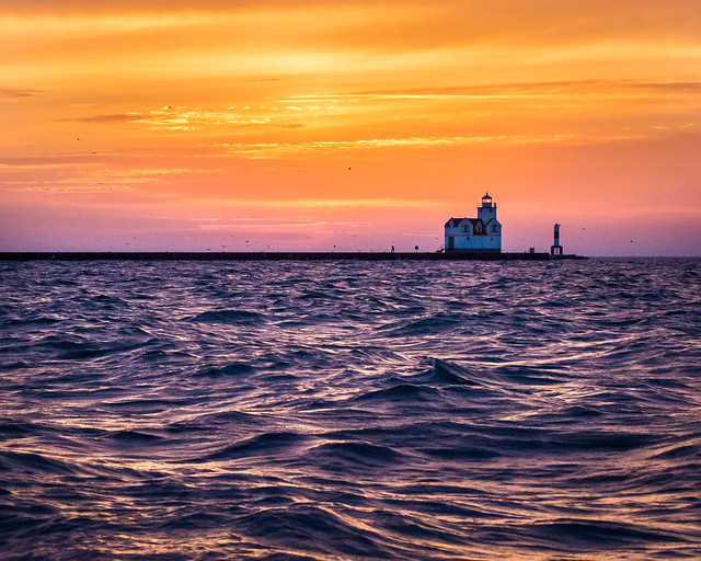 Lake Michigan, lighthouse, Kewaunee, WI, Wisconsin, Sunrise