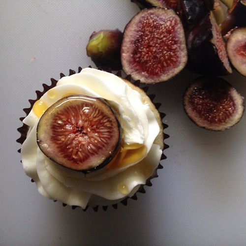 Fig-honey-goat cheese #cupcake #angelcakes #wedding