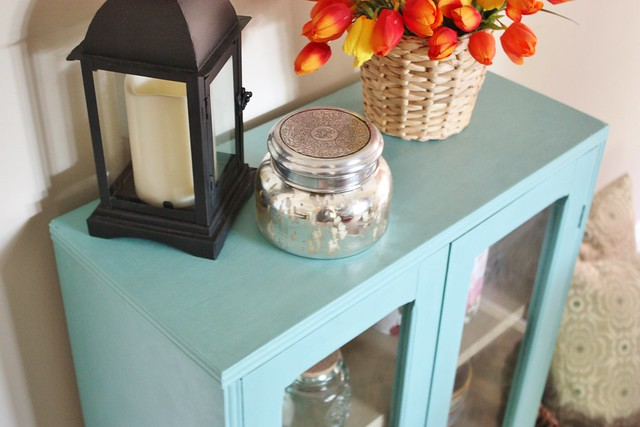 glass-cabinet-makeover-annie-sloan-chalk-paint