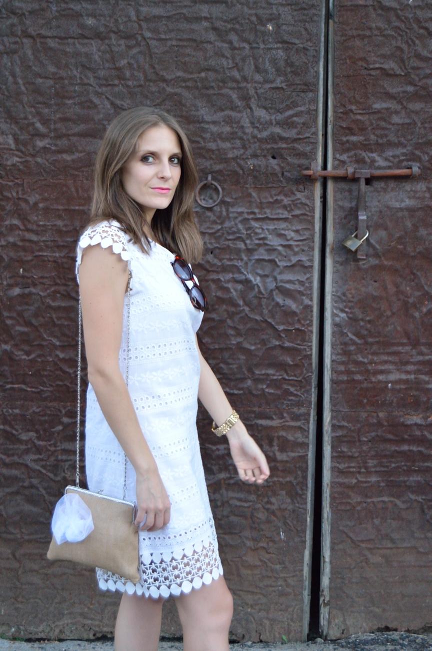 lara-vazquez-mad-lula-fashion-style-streetstyle-look-bag-white-drees-sorteo-puntillas,tul,marabu