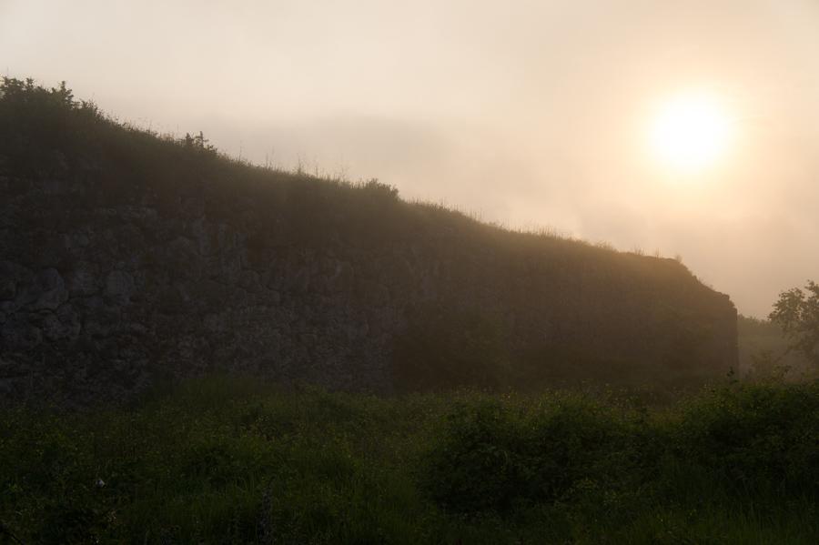 Мангуп-Кале. Утро. © Kartzon Dream - авторские путешествия, авторские туры в Индию, тревел видео, фототуры