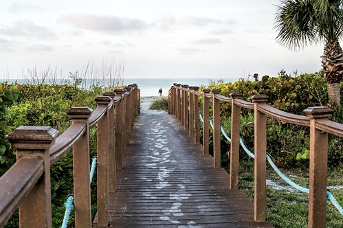 morning gulfofmexico sunrise gulf florida palmtrees boardwalk sanibel sanibelisland westgulf sandpointe