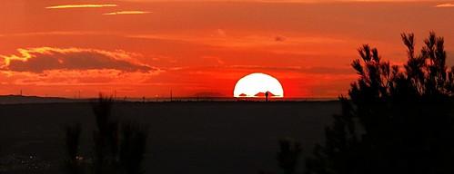 sunset soleil aixenprovence provence canigou tourdecésar