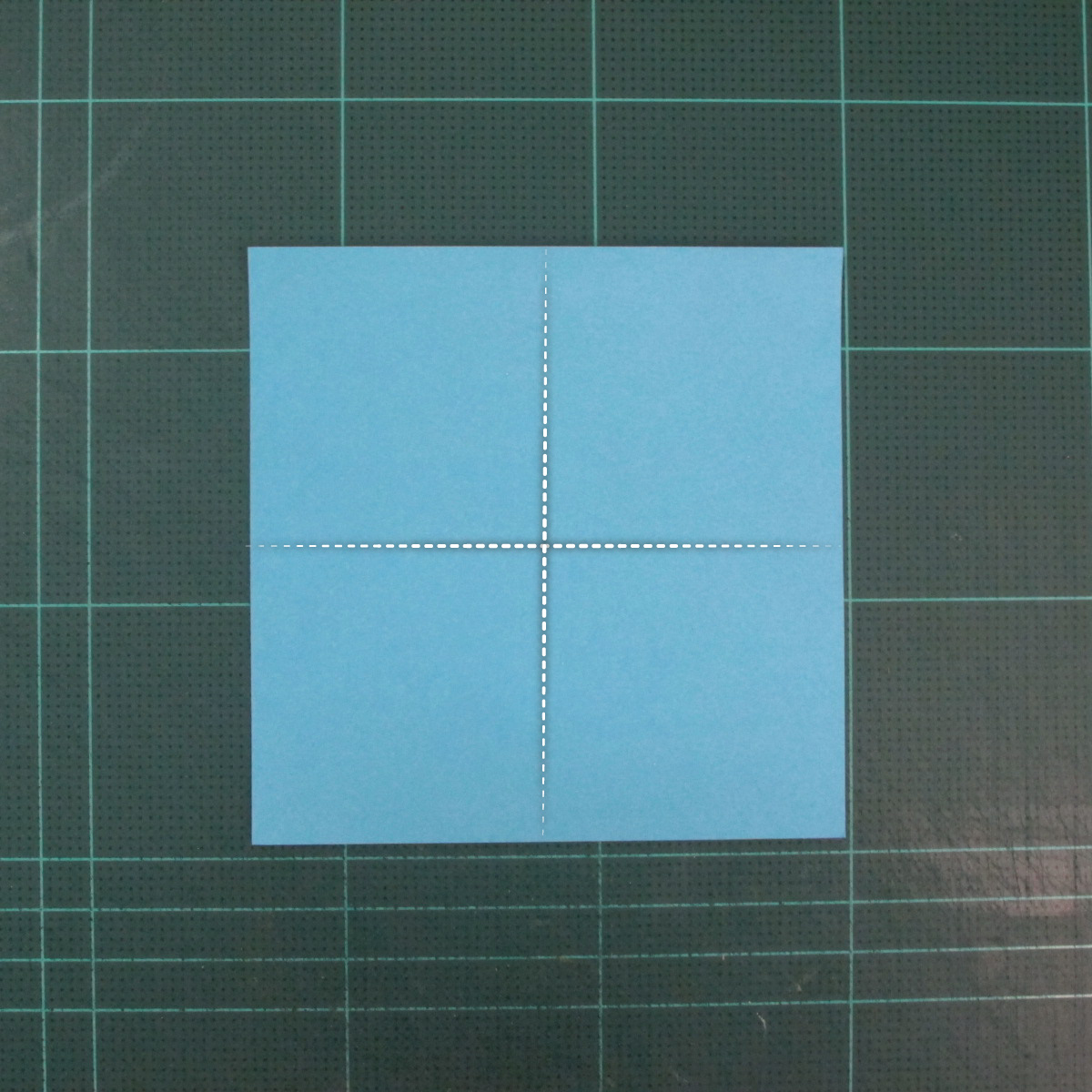 วิธีพับกระดาษเป็นถาดใส่ขนมรูปดาวแปดแฉก (Origami Eight Point Star Candy Tray) 002