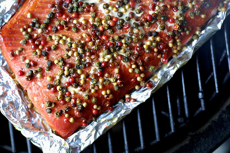 Smoked salmon with honey and peppercorns