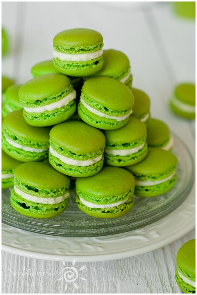 Žali macarons (6)