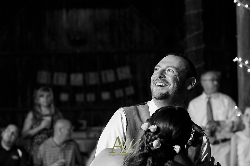 Rochester wedding photographer Andrew Welsh Photography Wedding Barn Event Venue Heniretta outdoor ceremony rustic
