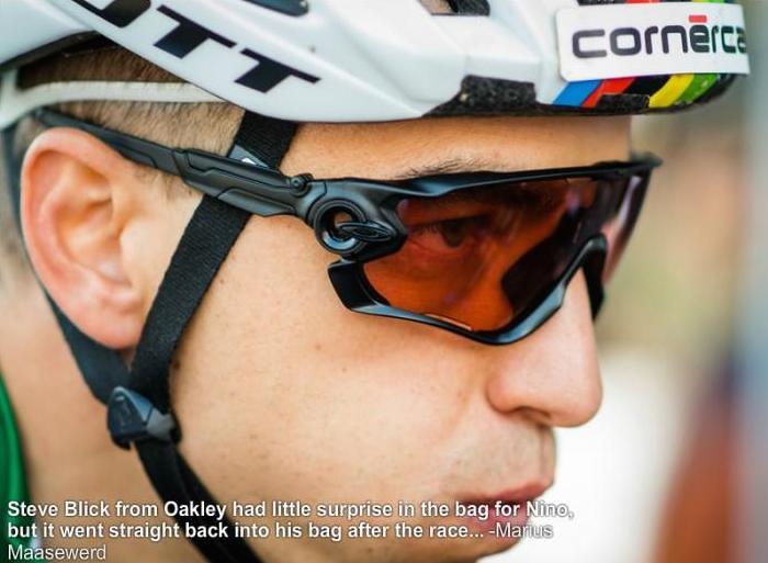 c7f59e93755 ... Oakley Jawbreaker 2015 (Nino Schurter)