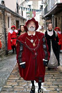 El cortejo, paseando por la Puebla vieja.