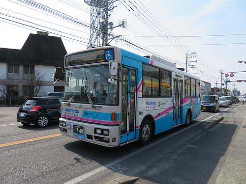 神埼駅通りから佐賀競馬場へ向かう西鉄バス