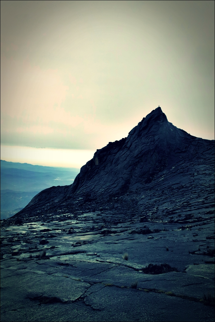 바위 산-'키나발루 산 등정 Climbing mount Kinabalu Low's peak the summit'