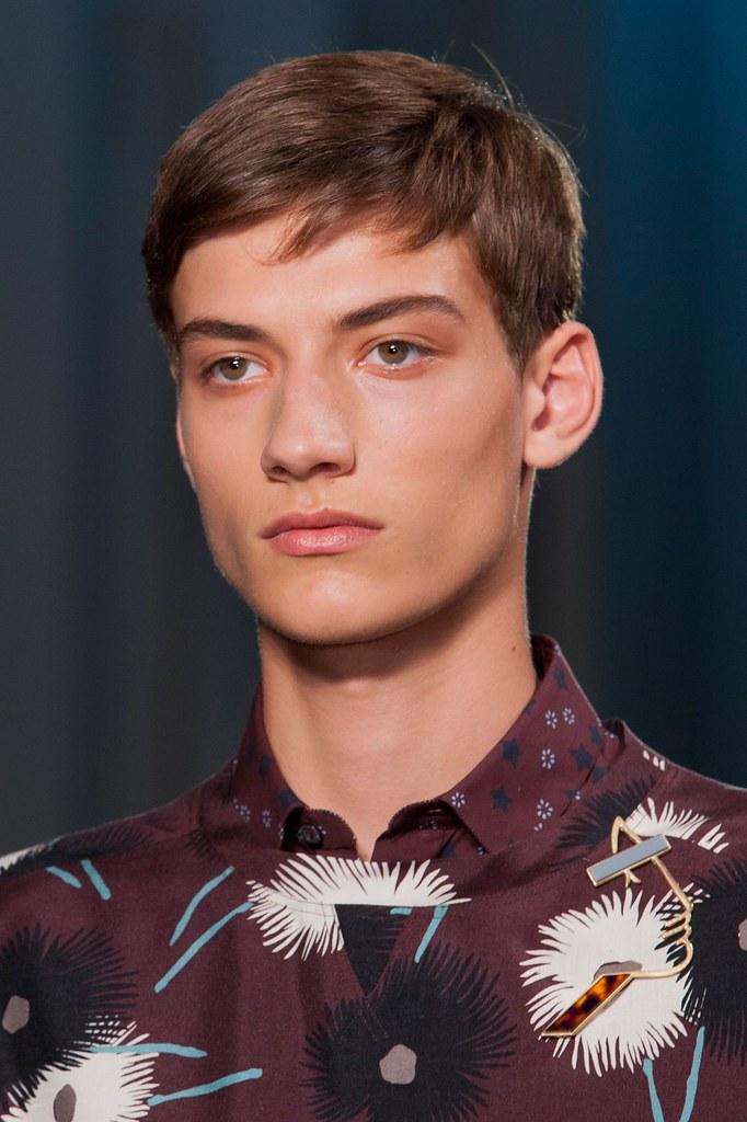 SS15 Paris Valentino220_Serge Rigvava(fashionising.com)