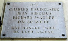 Photo of Jean Sibelius and Oscar Wilde grey plaque