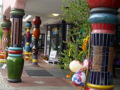 Säulen am Hundertwasser-Haus