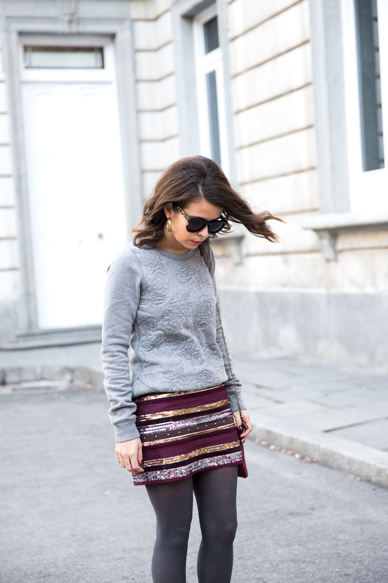 Abercrombie-Embroidered_Skirt-Sweatshirt_Grey-Outfit-Street_Style-Collagevintage-21