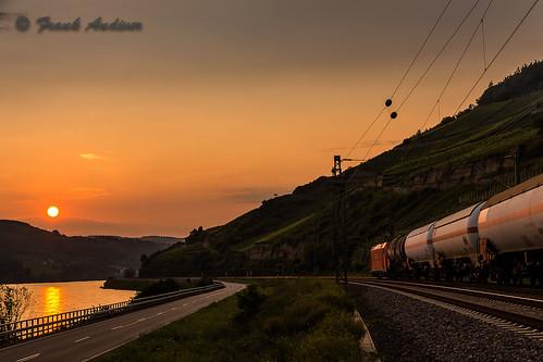 sunset tramonto reno treno germania rheingau lorch kreis assia lork cisterne 1852730