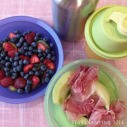 StattKantine 21.08.14 - Melone mit Schinken, Beeren, Orangensaft