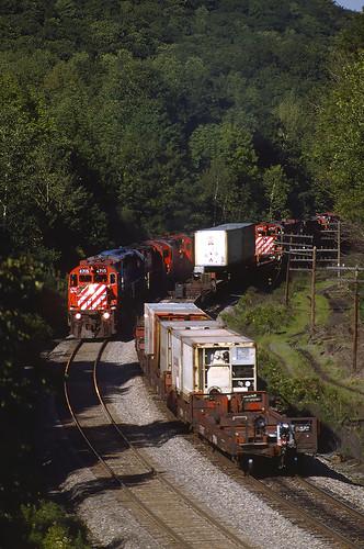 railroad train dh cp cprail freighttrain alco mlw delawarehudson newyorkrailroads montreallocomotiveworks alcolocomotive candianpacific m636 mlwm636 cp4715 richmondvillehill westrichmondvilleny