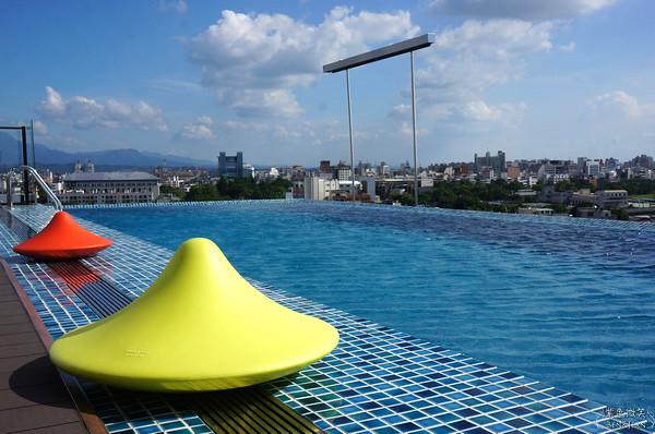 ▋嘉義住宿▋ 桃城茶樣子~以茶為主軸的設計旅店、無邊際游泳池超吸睛