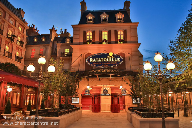 DLP Aug 2014 - The new Ratatouille at night