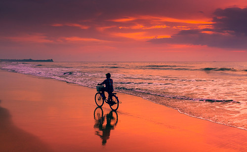 ocean travel pink sunset horses horse reflection beach water bike clouds photography sand asia fuji ride burma ngc spuren violet riding myanmar fahrrad reiten chaungtha x100s