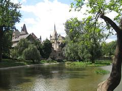 2014-03-budapest-139-vajdahunyas castle