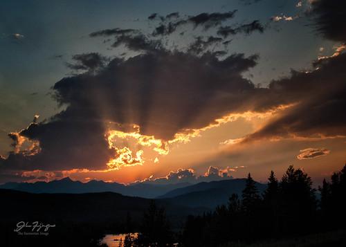 sunset canada river landscape photography golden britishcolumbia columbia rays columbiashuswapa