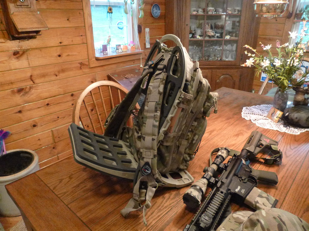 hunting pack on pack mule frame bagspackspouches pinterest govt mule frames and hunting