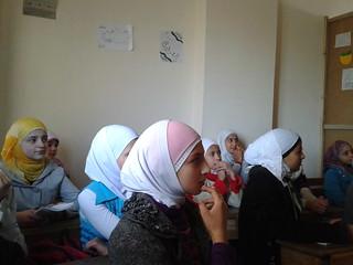 طالبات سوريات في احد المناطق الخارجة عن سيطرة النظام